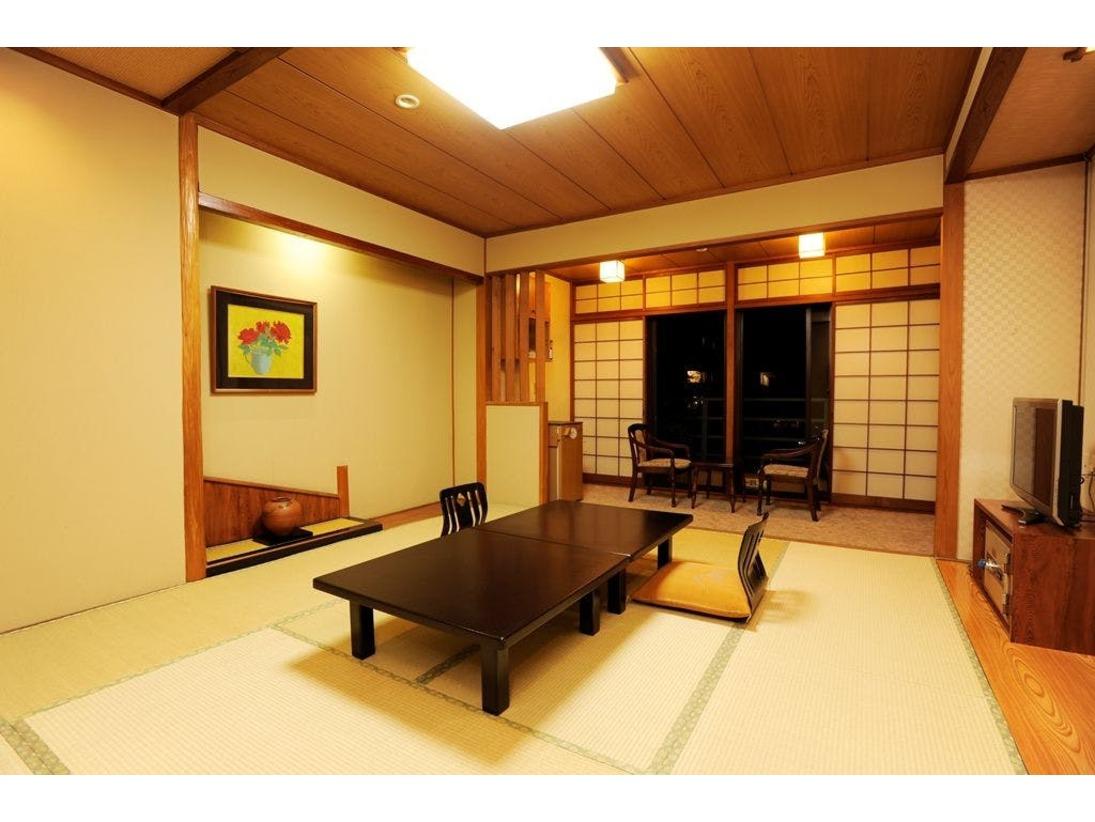 【喫煙室】和室10畳(バス・トイレ付)