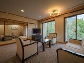 特別室 ~ 瑞光 ~応接間・石造りのお風呂付きの贅沢空間です。