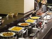 毎日7:00~9:30 2階レストラン「花茶屋」にてご案内。