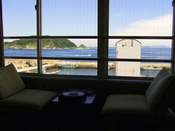 和室16畳からの眺め~目の前は海♪潮の香りが流れます~