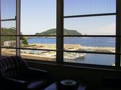 和室12畳からの眺め~ゆっくりとした島時間をお過ごしできます~