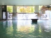 ホテルおかだ内大浴場(女湯)です。 屋外には露天風呂もございます。