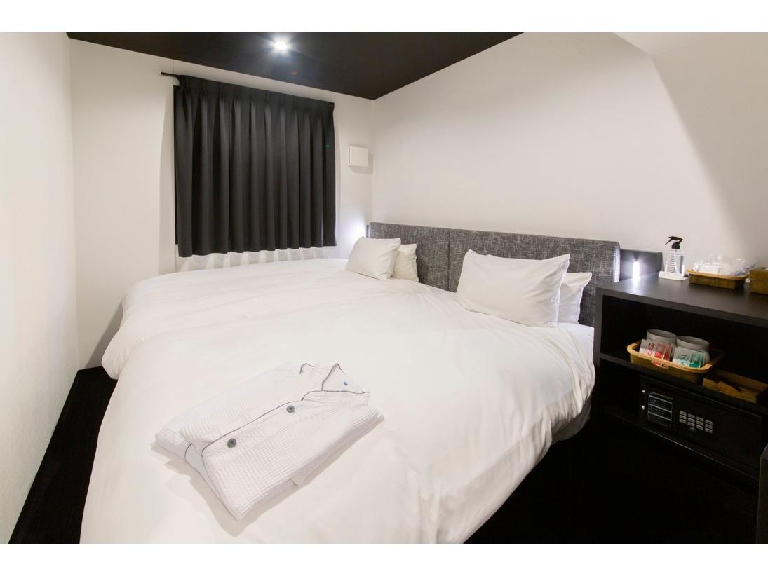 【客室】スタンダードツイン/部屋数:18室/大きさ:12平米~/ベッドサイズ:120CM×2台