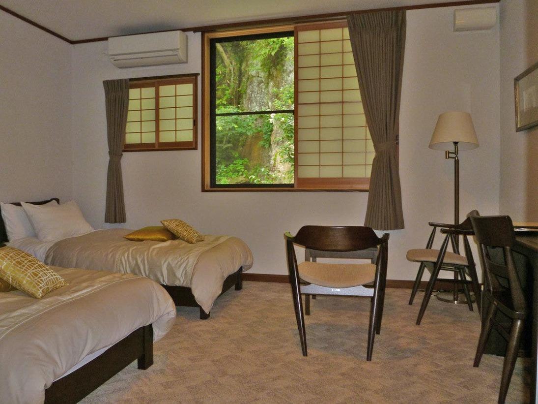 *【スタンダードツイン】総木造づくりで暖かみのあるお部屋です。
