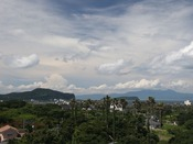 【市街地側景観】 市街地向きとは言え、最上階7Fからの窓の外には知林ヶ島や鹿児島湾内の海もしっかり見えます◎
