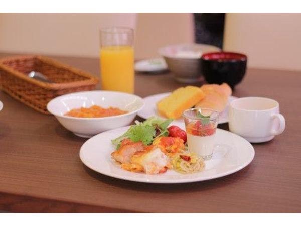 落合シェフ監修の朝食ビュッフェ