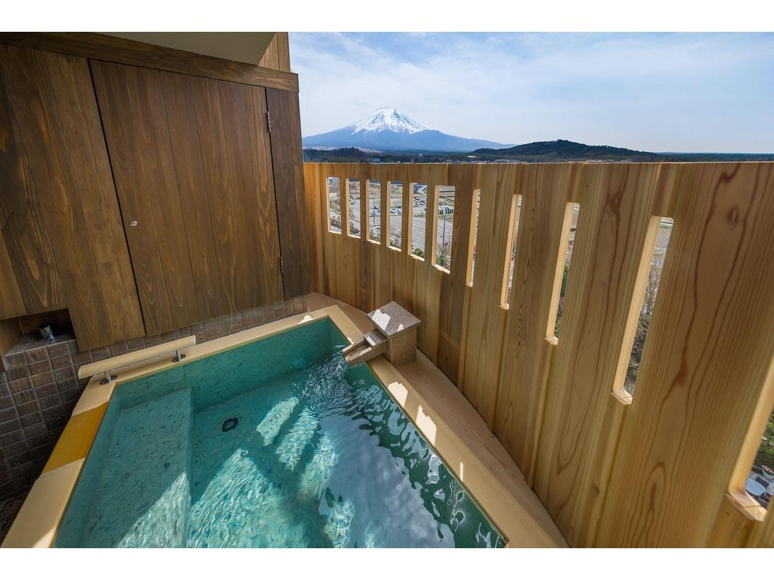 燦里(さんり)富士山眺望の露天風呂付プレミアム和モダンベッドルーム(42平米)/季節の富士と向い合う客室露天風呂