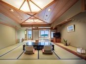 深山亭和室4~8階(12.5畳+4.5畳)※晴天時には富士山が望めます