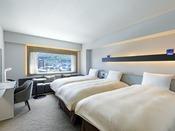 【客室】デラックスツイン/30平米/こちらのお部屋タイプは全室函館山側を向いております。
