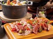 「グランサンク」■4月は【和洋中ブッフェ】ディナーブッフェパスタやカレーなどの定番メニューをはじめとした洋食ブッフェに、中華・和食メニューが登場!