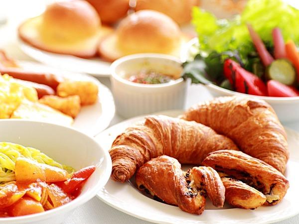 朝食 約30品目の和洋食ビュッフェ