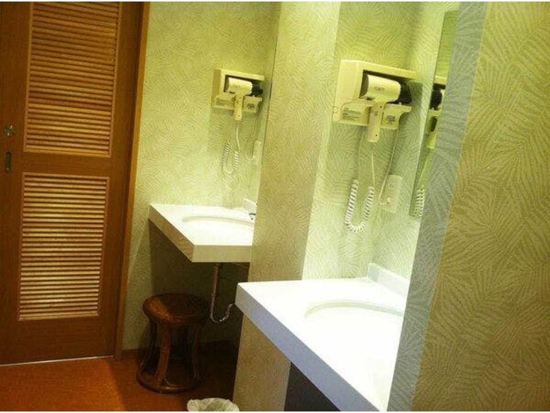 女性シャワー・トイレ