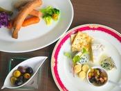 【朝食】[一例] バイキングのメニューは和洋多彩にご用意♪