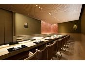 「鮨 和魂」では一流の握り手たちによって、豊洲市場から厳選した最上級の食材を毎日取り寄せて創り上げる美食と江戸時代や和食文化の神髄をお届けしております。
