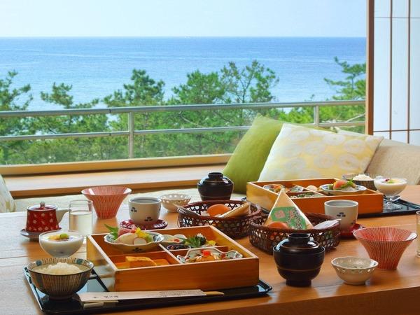 お部屋での朝食和膳(イメージ)