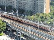 ホテルはJR新浦安駅から徒歩約1分!窓から電車が見える客室もございます。