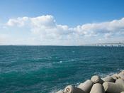 関空対岸マーブルビーチから関空を眺める
