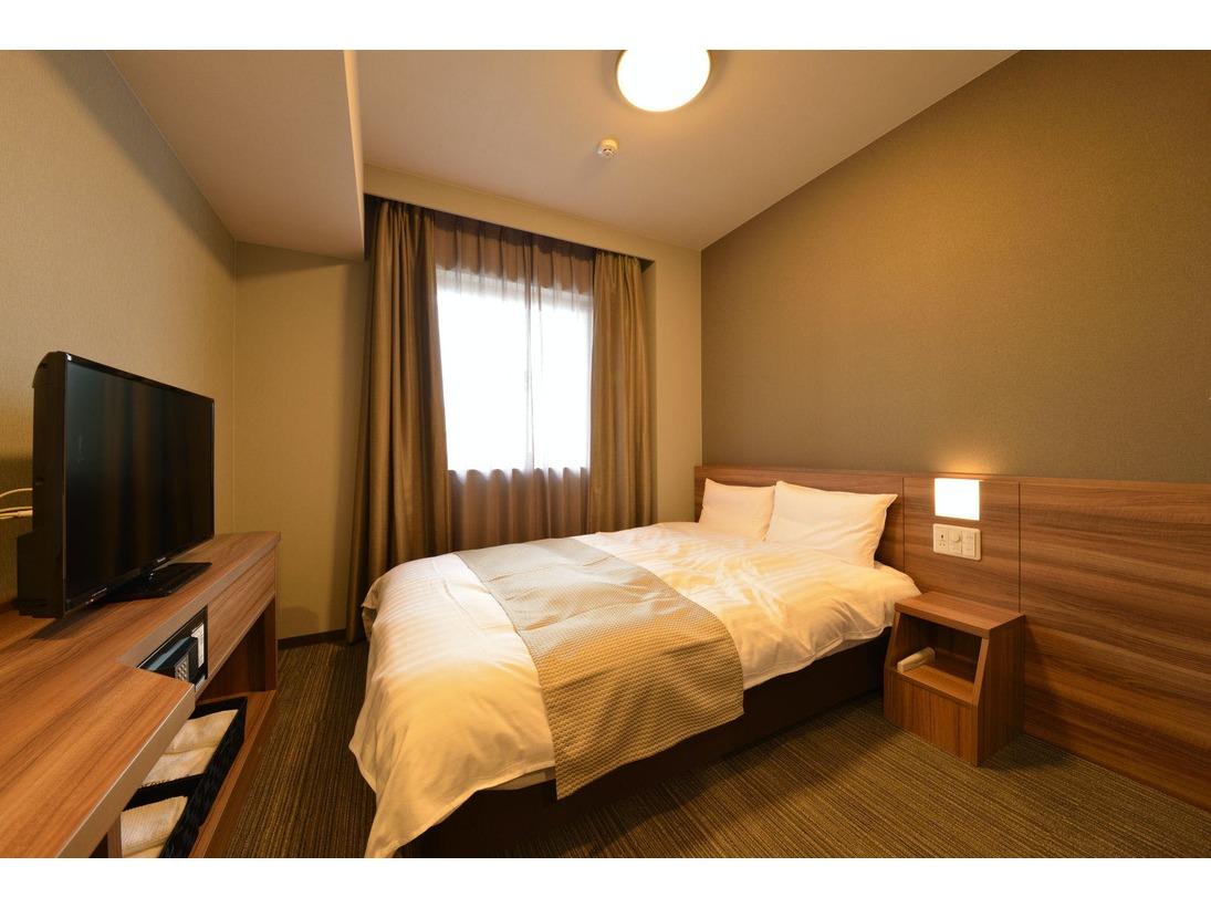 ◆禁煙◆ダブルルーム 15平米 シモンズ社製ベッド140×195センチ