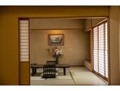 特別室。12畳を超える和室です。ここだけでも十分おくつろぎいただけます♪
