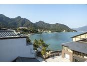 お部屋からの景色(一例)。瀬戸内海のおだやかな海を見てのんびり♪