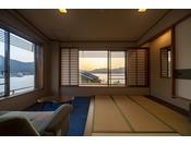 海側和室2間続き。瀬戸内海の絶景と広いお部屋はみや離宮でも屈指の人気ルーム★
