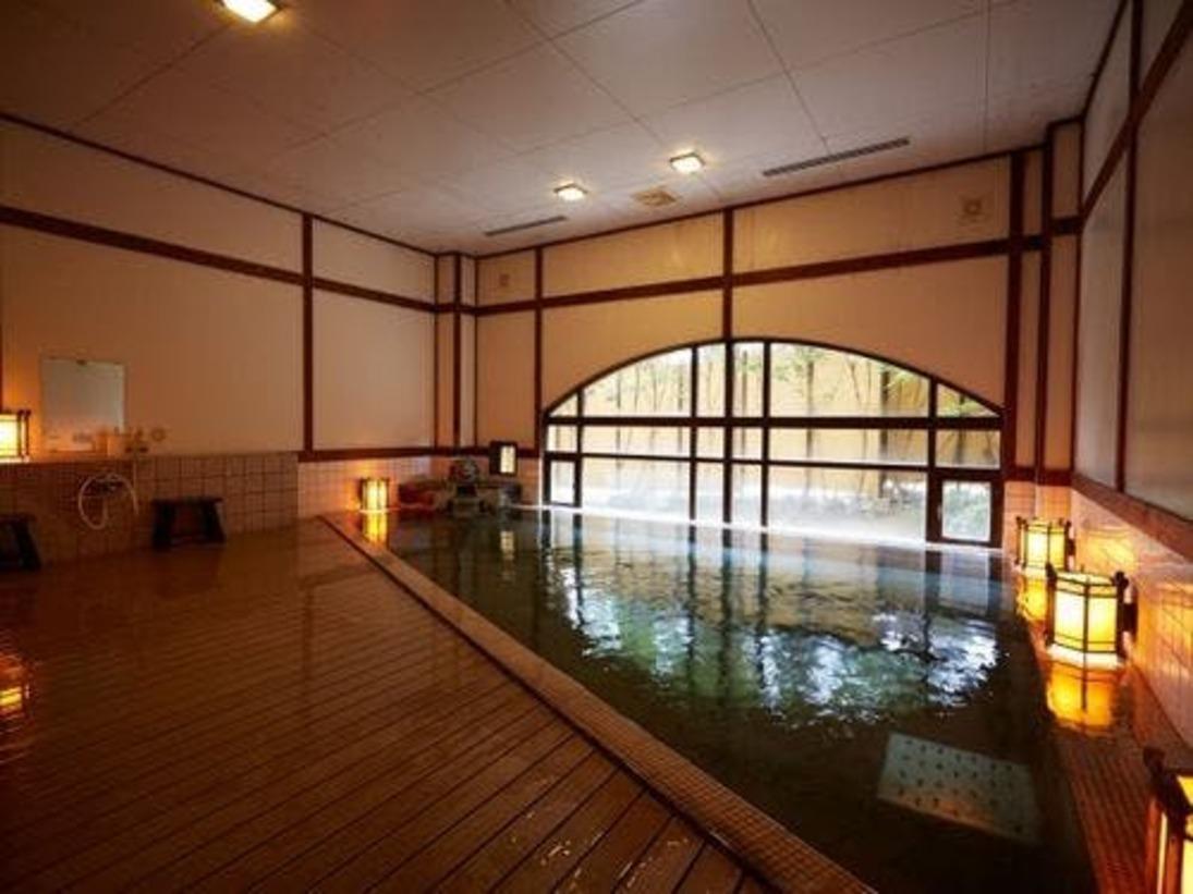 大浴場場男性湯大正浪漫を感じるレトロな作りの浴場