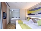 ファミリーデラックス【70平米】ベッドルームはパテーション付でプライベートを確保。多人数でのご旅行に最適です。