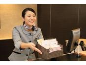 2012年7月より、全ホテルでのWi-Fi接続サービス(無料)を始めました。ご自宅同様、ホテル客室でもゆったりとお過ごし下さい。