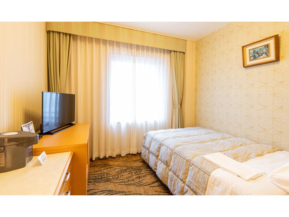エコノミーシングルルーム15平米 幅120cmのベッドを使用 ※写真は一例です