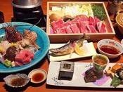 写真の「牛味くらべ」コースのほかに「蟹しゃぶ」コースもございます。