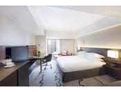 障子と襖が配された落ち着いた佇まいの客室はヒルトン東京開業当時から継承されているデザイン。