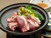 【追加料理】イノシシ(ロース&バラ肉)の陶板焼き:100グラム 3,500円(消費税別)※2020年3月31日まで