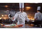 シンプルで伝統的な広東料理を提供するべく、四季の素材を吟味し、丁寧に素材本来の味を引き出す料理を提供いたします。