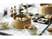 ルームサービスでお楽しみいただける中華粥と点心の朝食は、6:00から11:00までお楽しみいただけます。