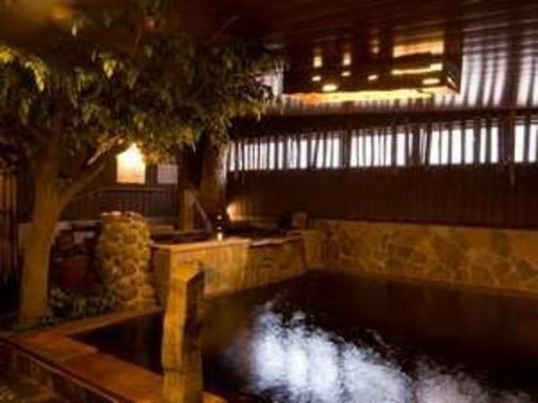 2階の天然温泉大浴場/男子内風呂