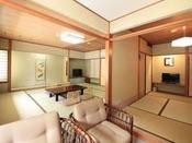 本館和室 82平米(12畳+6畳+4.5畳)