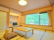 <桜ことばフロア和室タイプ> 当館11階の客室です。 和室とリビングスーペースがございます。