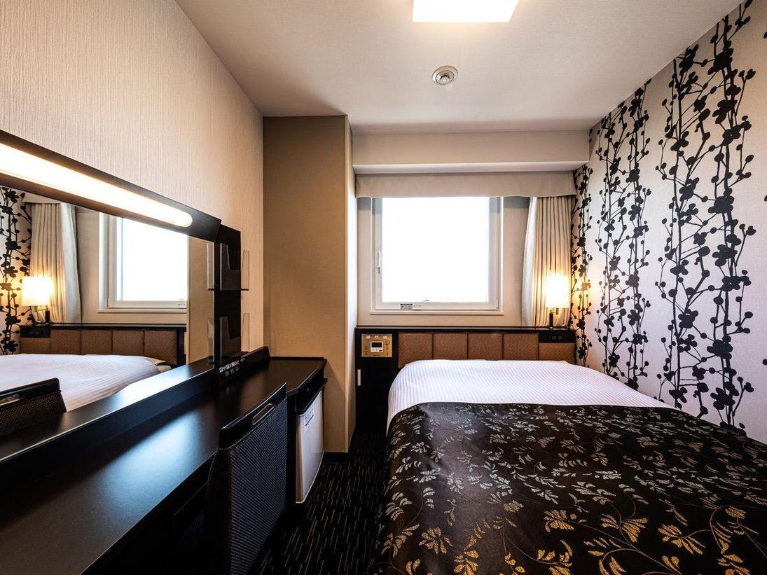 広さ9平米/ベッド幅140cm/ベッド下収納あり