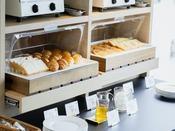 【朝食】パンのご用意もございます。(一例)
