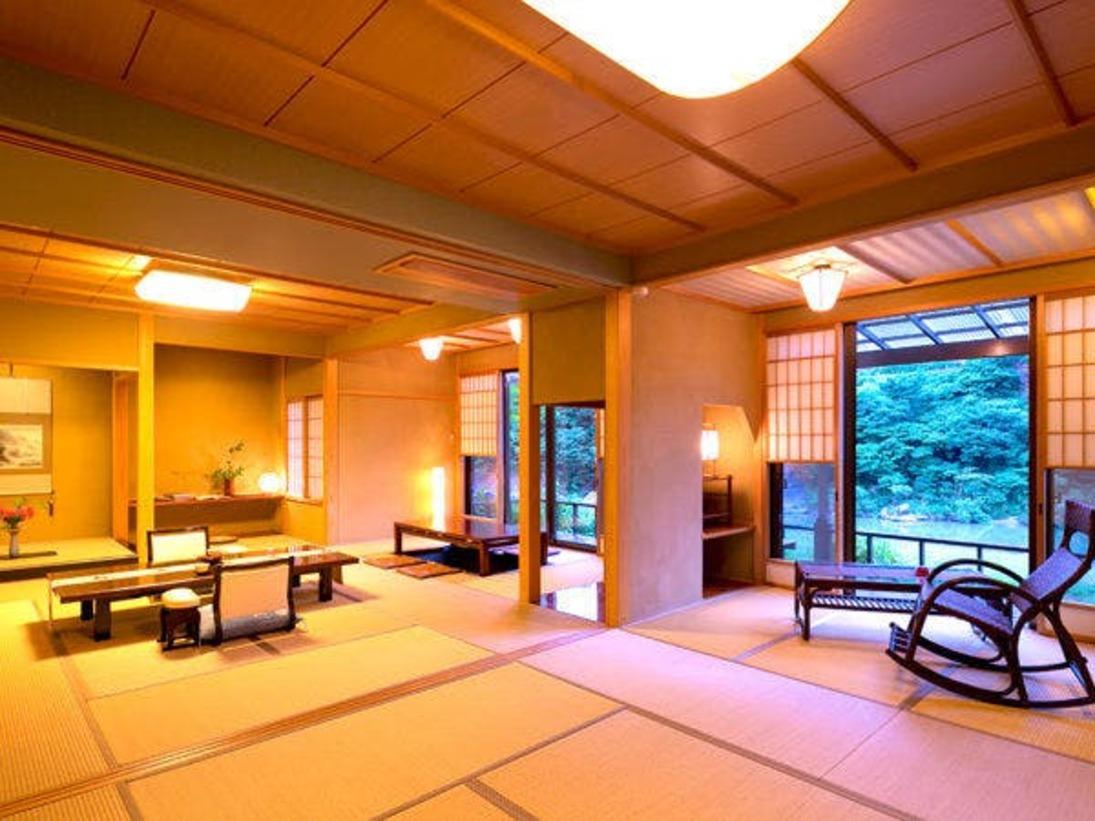 """【藤の荘-FUJI-】<和室> 掘りごたつのある""""当館一広い""""『和リビング』"""