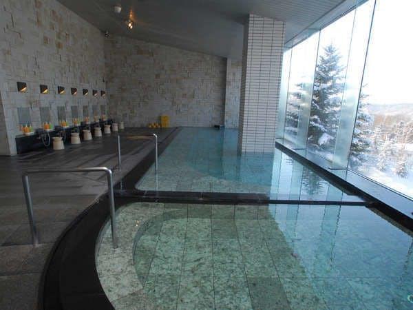 【大浴場】ゆったりと温泉をお楽しみ下さい
