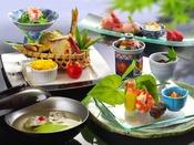 ~会席料理のご夕食イメージ~ 料理のイメ―ジ写真となり、実際のご提供内容は季節に