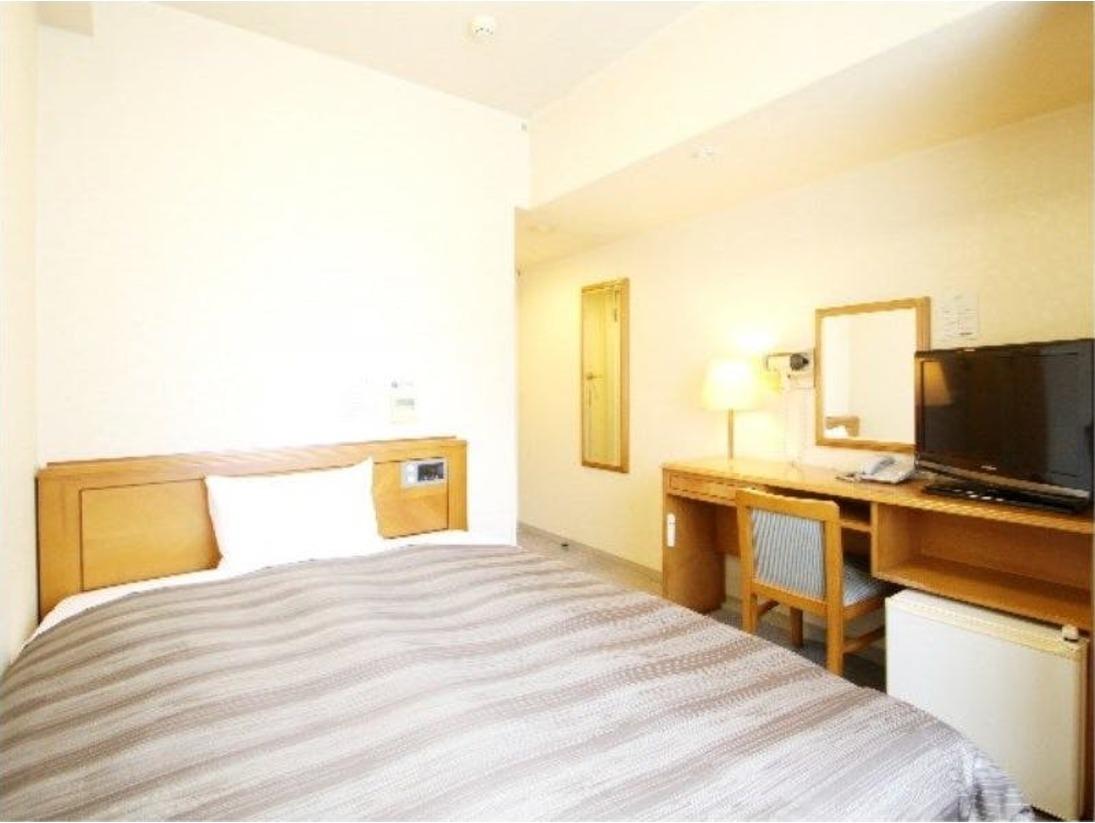 シングルルーム:ベッドサイズが異なるお部屋がございます。無料Wi-Fi、加湿機能付空気清浄器!