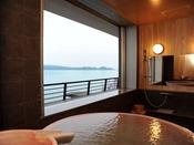七尾湾の雄大な海の景色を見ながら浸かる露天風呂は最高♪