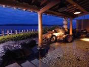 男女とも露天風呂からは七尾湾を一望できます☆源泉たっぷりの温泉をお楽しみください!