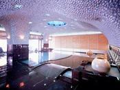 アコヤ貝の装飾が美しい女性大浴場