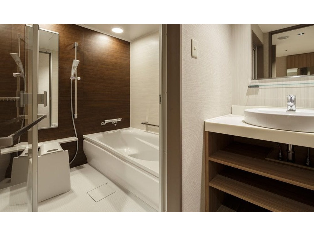こちらのバスルームは、スーペリアダブル・スーペリアツインタイプのお部屋でございます。
