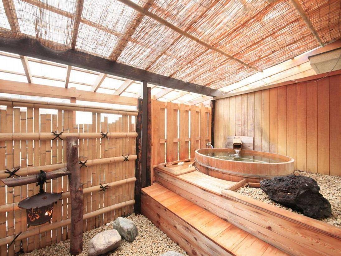 【露天風呂付き客室】和室8畳+12.5畳 露天風呂(一例)