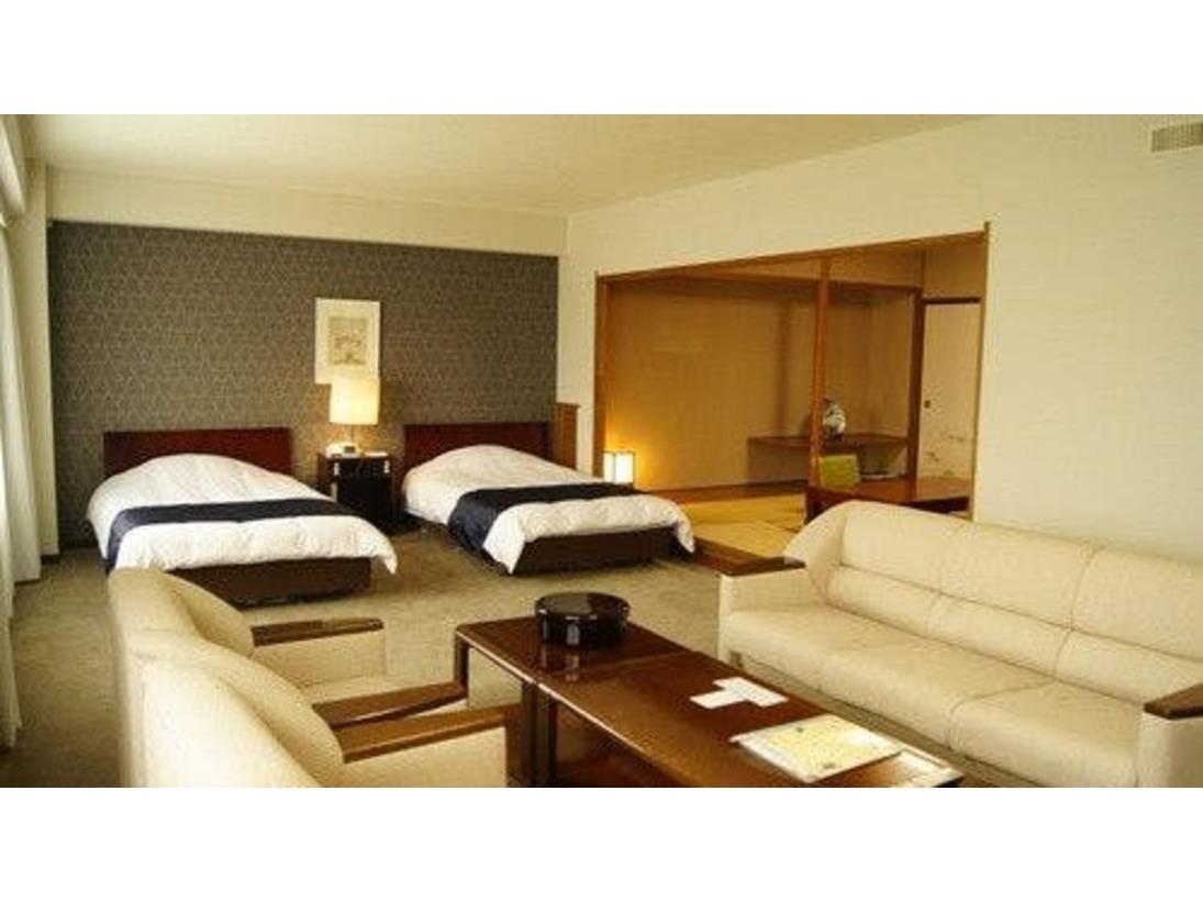 連山側指定:和洋デラックスルームベッド2台に和室がついています。70平米:定員4名