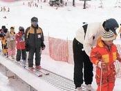 「ファミリーゲレンデ霧ヶ峰スキー場」動く歩道「らくちんくん」
